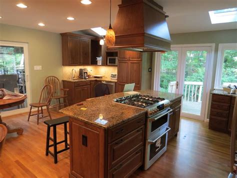 Best 25+ Kitchen Island With Stove Ideas On Pinterest
