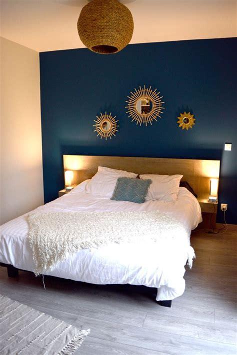 chambre parent bleu tete de lit miroir soleil accumulation