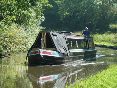 Alvechurch Boat Hire by Narrowboat Caxton Short Hop To Alvechurch
