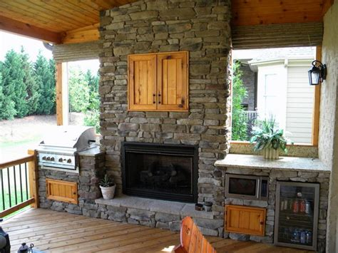 outdoor kitchen fireplace ideas 30 best images about scenic ln outdoor kitchens on pinterest backyard fireplace wood fired