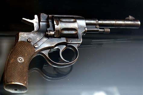 Gāzes pistoļu īpašniekiem jāsaņem ieroču nēsāšanas atļauja - LV portāls
