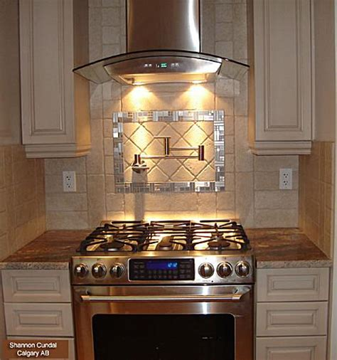 Kitchens with Range Hoods