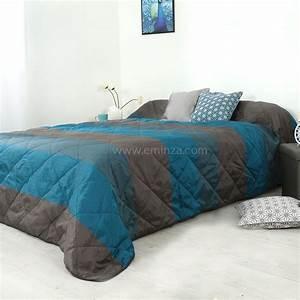 Couvre Lit Bleu : couvre lit 250 x 260 cm bergame bleu canard couvre lit boutis eminza ~ Teatrodelosmanantiales.com Idées de Décoration