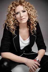 Kelly Hoppen releases exclusive furniture collection