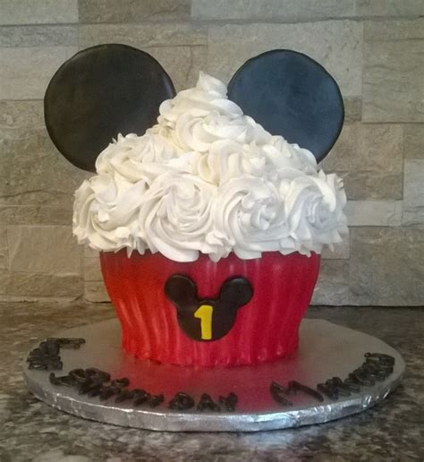 mickey mouse giant cupcake cakecentralcom