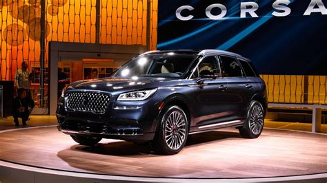 lincoln corsair brings smart luxury design