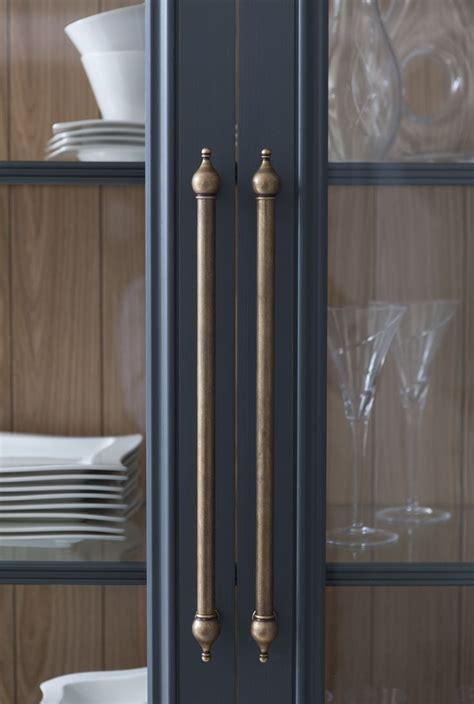Kitchen Cupboard And Pulls by Best 25 Kitchen Cabinet Hardware Ideas On
