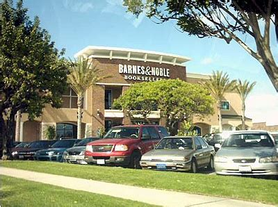 working at barnes and noble file barnesandnoble1 jpg wikimedia commons