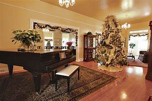 Christmas at Palm Circle on Fort Shafter - MidWeek