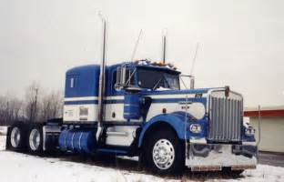 W900A Model Kenworth Trucks Old