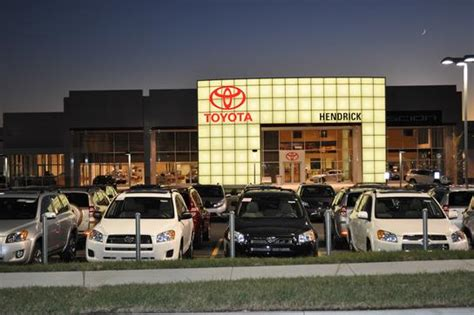 local toyota dealers hendrick toyota merriam merriam ks 66203 car dealership