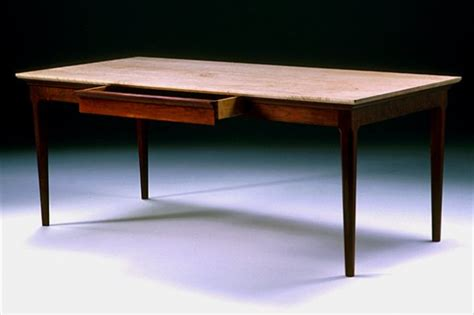 How to make a dining room table bench