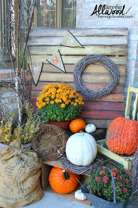 Fall Porch Displays by An Ombre Painted Pallet For Fall Decorations On Your Front