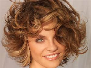 Cheveux Couleur Noisette : coupe de cheveux 10 id es coup de jeune femme actuelle ~ Melissatoandfro.com Idées de Décoration