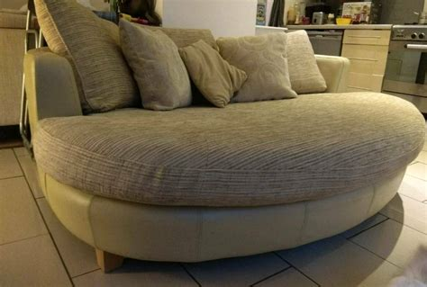 Gorgeous Oval Round Couch Dfs Snuggle Cuddle Love Sofa