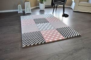 Teppich Rosa Grau : grau weiss teppich ~ Whattoseeinmadrid.com Haus und Dekorationen