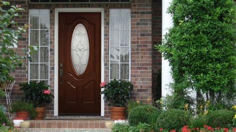 entry doors wood vs fiberglass