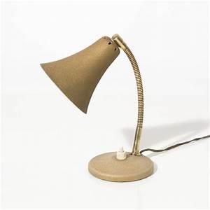 Petite Lampe De Chevet : petite lampe de chevet aluminor ~ Teatrodelosmanantiales.com Idées de Décoration