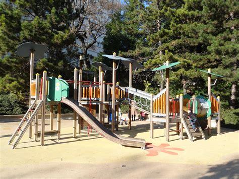jeux exterieur pour enfants file aire de jeux parc de belleville 20e jpg wikimedia commons