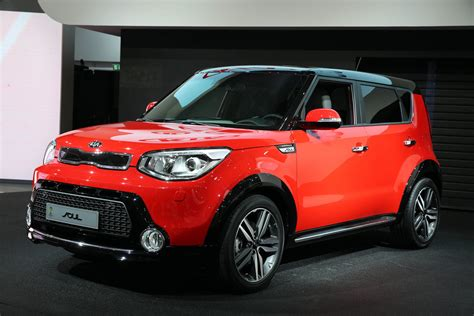 pictures   red black kia soul  suv accessory kit kia news blog