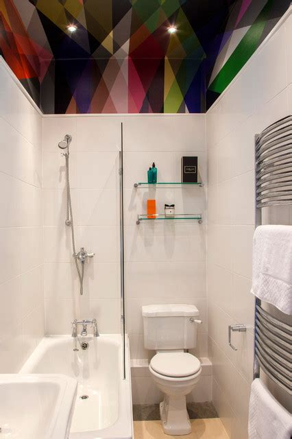 super smart ideas  decorate  small bathroom