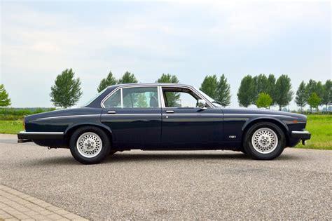 1974 Daimler Double Six Vanden Plas
