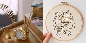 Harry Potter Decoration : 13 harry potter decor ideas you need asap harry potter ~ Dode.kayakingforconservation.com Idées de Décoration