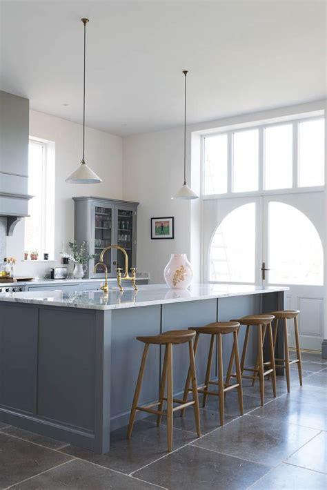 silverdale kitchen  dove grey tumbled limestone