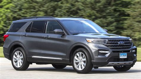 2020 Ford Explorer Drives Nicely but Has Many Flaws