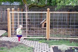Building a dog run dog friendly landscaping for Building a dog fence