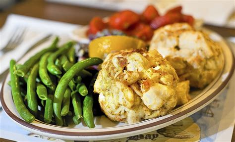 critics readers weigh   annapolis areas  crab