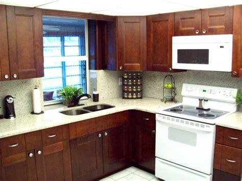 cherry shaker kitchen cabinets cherry shaker kitchen bathroom cabinets 5380