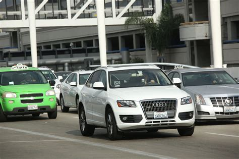 Uber And Lyft Should Be Able To Operate At Lax