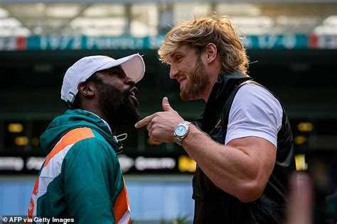 Are fighting each other this weekend. Logan Paul claims Floyd Mayweather is 'sparring trash' despite menacing training photos   Daily ...