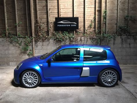 Renault Sport Clio V6 by Used 2005 Renault Renaultsport Clio Renaultsport V6 255
