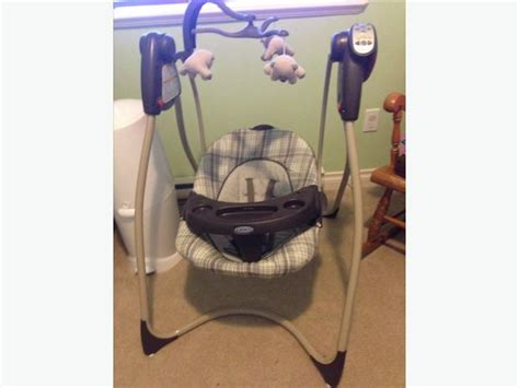 Unisex Graco Baby Swing (plug In Or Battery Operated) West