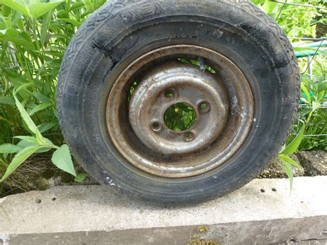 classic mini   steel wheels tyres  good
