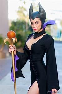 15 Sexy Disney Villain Cosplays Make Being Bad Look So ...