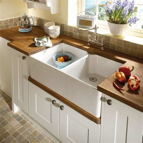 kitchens with belfast sinks 1000 images about traditional kitchens sinks taps on 6601