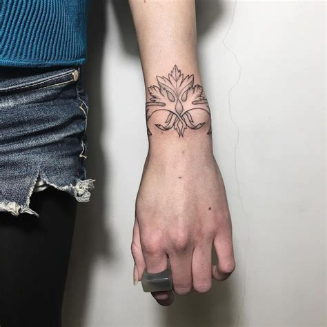 77 Deliciously Delicate Wrist Tattoos - Page 3 of 8 - TattooMagz