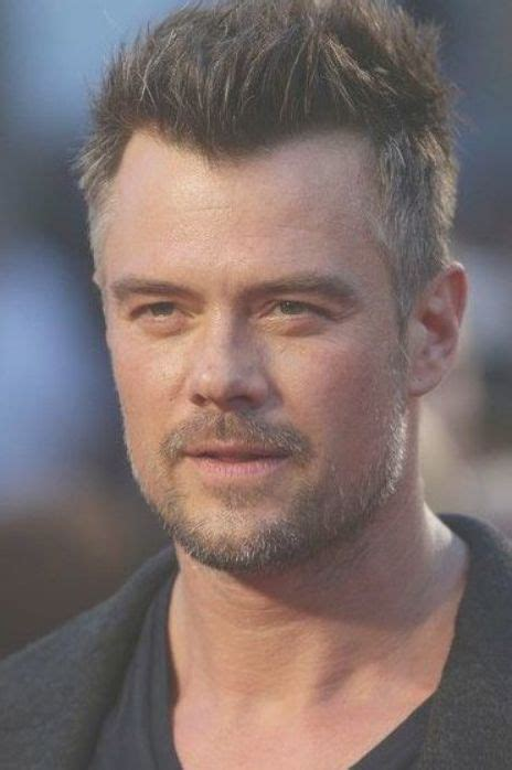 actor josh duhamel poses arriving   red carpet