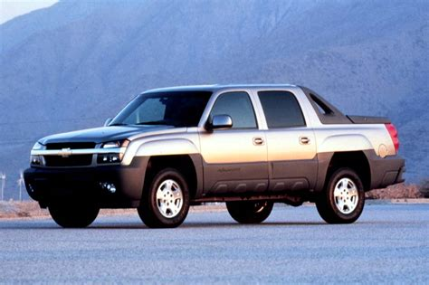 Chevy Avalanche 2002 by 2002 06 Chevrolet Avalanche Consumer Guide Auto