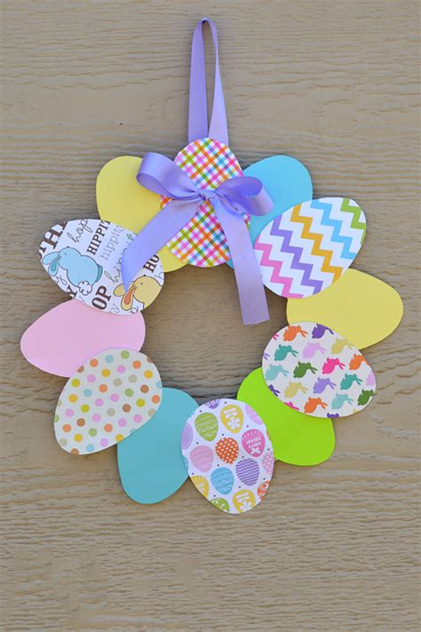 40 easter crafts for diy ideas for kid friendly 218 | 1485809695 easter egg easter wreath