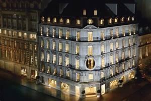 Maison Christian Dior : le mot la chose la culture autrement dior 30 avenue ~ Zukunftsfamilie.com Idées de Décoration