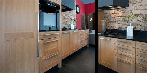 habillage meuble cuisine réalisation d 39 une cuisine contemporaine en bois à bergerac