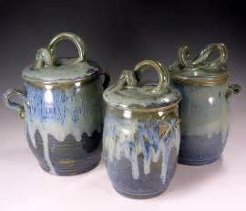 pottery kitchen canisters 174 best images about pottery ceramic soup tureen canisters on ceramics set of