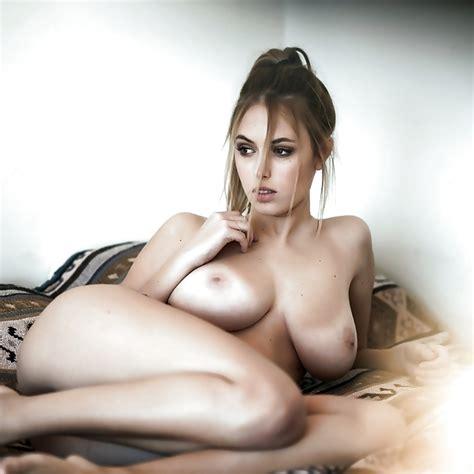Juliana Kawka Argentinian Model With Big Tits 8 Pics