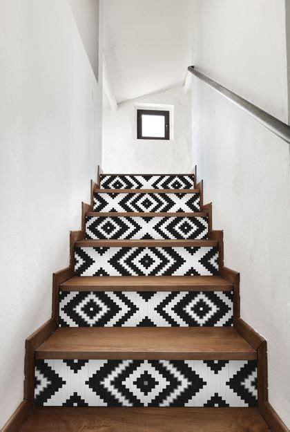 diy deco relooking avec du papier peint deco escalier