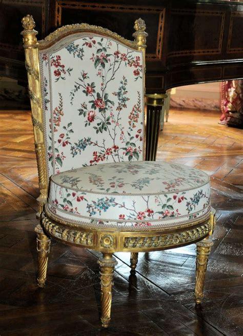 tissus d ameublement pour canapé le mobilier de la reine à versailles aujourd 39 hui page 3