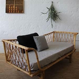 Lit En Rotin : banquette lit rotin day bed vintage atelier du petit parc ~ Teatrodelosmanantiales.com Idées de Décoration
